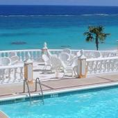 Coco Reef Bermuda swimming pool