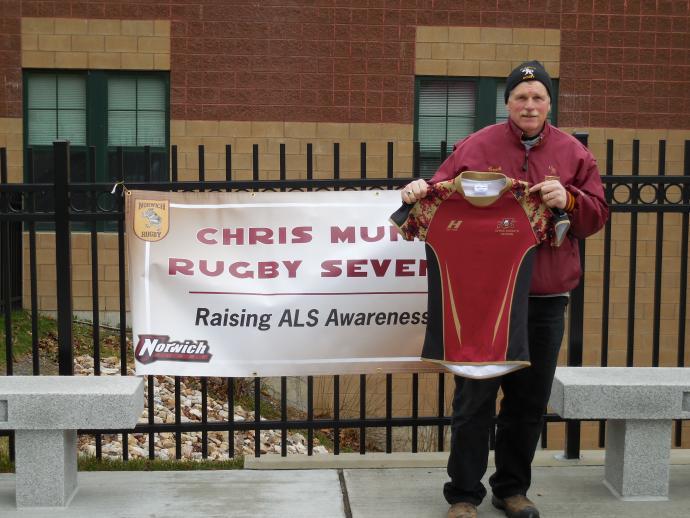 Bob Weggler honors Chris Munn