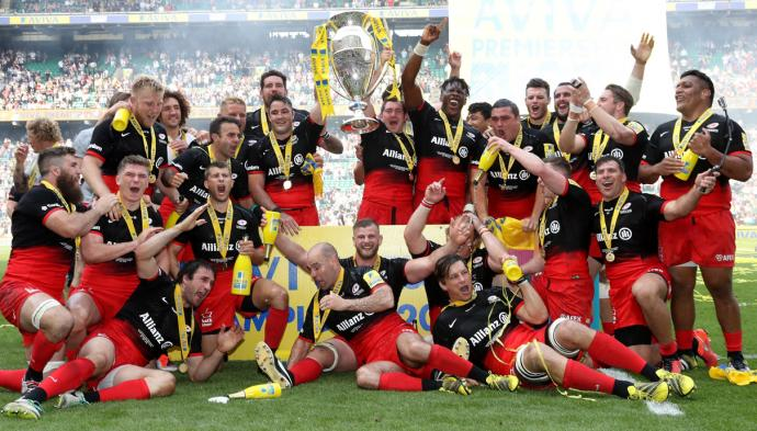 Saracens Team photo with the trophy